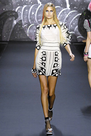 http://fashiontime.ru/images/news/1/7220/7168_2631.jpg