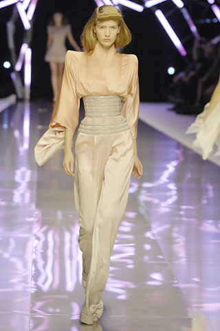 http://fashiontime.ru/images/news/1/7220/8558_2820.jpg
